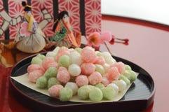 Γλυκαμένα κέικ ρύζι-αλευριού για την προσφορά στο φεστιβάλ κουκλών ` στην Ιαπωνία Στοκ Εικόνα