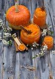 Γλυκιά μαρμελάδα κολοκύθας στο βάζο Στοκ φωτογραφίες με δικαίωμα ελεύθερης χρήσης