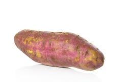 Γλυκιά πατάτα στο άσπρο υπόβαθρο Στοκ εικόνα με δικαίωμα ελεύθερης χρήσης