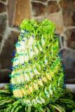 Γλυκιά πυραμίδα με τα πράσινα φρούτα Στοκ Εικόνες