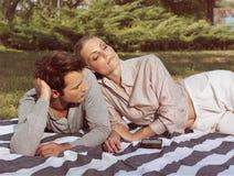 Γλυκό ζεύγος ερωτευμένο Στοκ Φωτογραφία