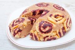 Γλυκό κέικ κακάου και μαρμελάδας Στοκ Φωτογραφίες