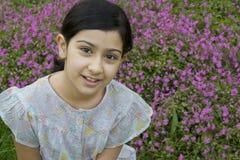 γλυκό κοριτσιών ελάχιστα υπαίθρια Στοκ εικόνες με δικαίωμα ελεύθερης χρήσης