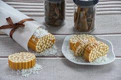 Γλυκό λουκάνικο από το σαν ζυμάρι άχυρο και το φοντάν Στοκ Φωτογραφία