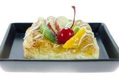 Γλυκό ψωμί στο πιάτο Στοκ εικόνα με δικαίωμα ελεύθερης χρήσης
