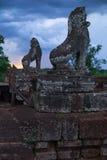 Γλυπτά των λιονταριών πάνω από τον προ ναό Rup γύρω από Angkor Wat Στοκ φωτογραφίες με δικαίωμα ελεύθερης χρήσης