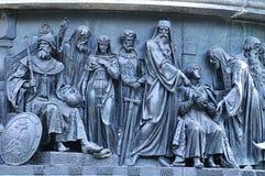 Γλυπτικοί πολιτικοί ομάδας στη χιλιετία μνημείων της Ρωσίας, Veliky Novgorod, Ρωσία στοκ φωτογραφία