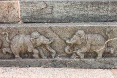 Γλυπτό εάν dueling οι ελέφαντες, Hampi Στοκ Φωτογραφίες