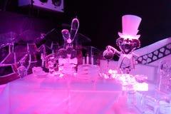 Γλυπτό πάγου της Alice στο wonderland& x27 s στοκ εικόνες