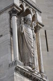 Γλυπτό παπάδων στον τοίχο της Notre Dame - του Παρισιού, Γαλλία Στοκ Εικόνα