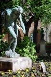 Γλυπτό στο μουσείο των Καλών Τεχνών της Λυών, Γαλλία Αγάλματα στο πάρκο Palais Saint-Pierre Στοκ Φωτογραφίες