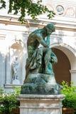 Γλυπτό στο μουσείο των Καλών Τεχνών της Λυών, Γαλλία Αγάλματα στο πάρκο Palais Saint-Pierre Στοκ Εικόνες