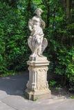 Γλυπτό της Leda και του κύκνου στο πάρκο Wilanow, Βαρσοβία, Πολωνία Στοκ Εικόνες