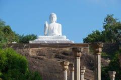 Γλυπτό του καθισμένου Βούδα Mihintale, Σρι Λάνκα στοκ φωτογραφία με δικαίωμα ελεύθερης χρήσης