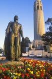 Γλυπτό χαλκού του Christopher Columbus, πύργος Coit, Σαν Φρανσίσκο, Καλιφόρνια Στοκ φωτογραφία με δικαίωμα ελεύθερης χρήσης