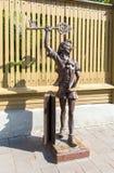 Γλυπτό χαλκού Buratino Pinocchio, χαρακτήρας ο παραμυθιού Στοκ Εικόνα