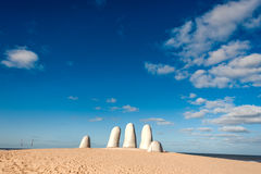 Γλυπτό χεριών, Ουρουγουάη στοκ φωτογραφία