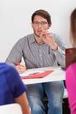 Δάσκαλος κατά τη διάρκεια των κατηγοριών Στοκ Εικόνες