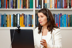 Δάσκαλος που μαθαίνει on-line το webinar mooc Στοκ Εικόνα