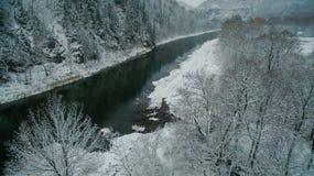 Δάσος, βράχος, βουνό και ποταμός Ural εναέρια όψη Στοκ Φωτογραφία