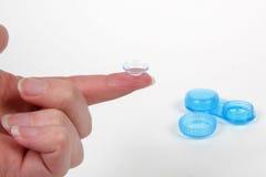 δάχτυλο επαφών len στοκ φωτογραφία με δικαίωμα ελεύθερης χρήσης