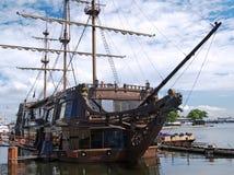 δένοντας παλαιό σκάφος στοκ εικόνες
