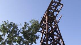 Δέντρα και πυροβολισμός πύργων φιλμ μικρού μήκους