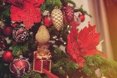 Δέντρο έλατου Χριστουγέννων με τη διακόσμηση στοκ εικόνες με δικαίωμα ελεύθερης χρήσης