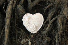 Δέντρο και καρδιά στοκ εικόνες με δικαίωμα ελεύθερης χρήσης