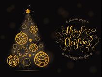 Δέντρο και σφαίρες καρτών Χριστουγέννων με την εγγραφή Στοκ Εικόνες