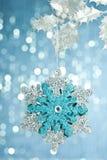 Δέντρο με snowflake διακοσμήσεων Στοκ Εικόνα
