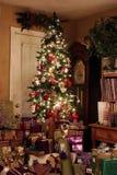 δέντρο νύχτας Χριστουγένν&omeg Στοκ φωτογραφία με δικαίωμα ελεύθερης χρήσης