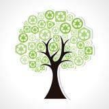 Δέντρο που διαμορφώνει από τα πράσινα ανακύκλωσης εικονίδια Στοκ φωτογραφία με δικαίωμα ελεύθερης χρήσης