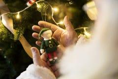 δέντρο santa Claus Χριστουγέννων Στοκ φωτογραφία με δικαίωμα ελεύθερης χρήσης