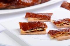 Δέρμα χοιρινού κρέατος με το μπισκότο στοκ εικόνες με δικαίωμα ελεύθερης χρήσης