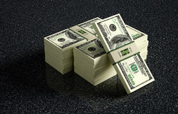 Δέσμες τραπεζογραμματίων 100 δολαρίων στο πάτωμα στοκ εικόνες