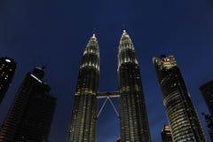 Δίδυμοι πύργοι της Κουάλα Λουμπούρ, Κουάλα Λουμπούρ Μαλαισία τη νύχτα Στοκ φωτογραφίες με δικαίωμα ελεύθερης χρήσης