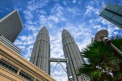 Δίδυμοι πύργοι Petronas στην Κουάλα Λουμπούρ, Μαλαισία Στοκ φωτογραφία με δικαίωμα ελεύθερης χρήσης