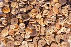 δίκαιος ξύλινος κουμπιώ&nu Στοκ Εικόνες