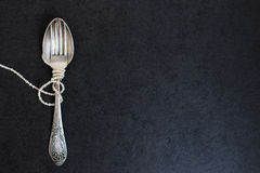 Δίκρανο και κουτάλι με τα μαργαριτάρια Στοκ εικόνες με δικαίωμα ελεύθερης χρήσης