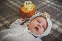 Δίμηνο μωρό που γιορτάζει τα γενέθλιά του Στοκ φωτογραφίες με δικαίωμα ελεύθερης χρήσης