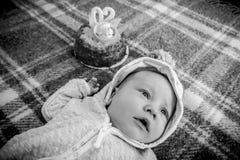 Δίμηνο μωρό που γιορτάζει τα γενέθλιά του Στοκ Εικόνες