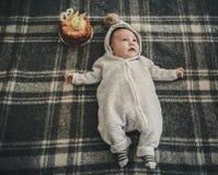 Δίμηνο μωρό που γιορτάζει τα γενέθλιά του Στοκ εικόνες με δικαίωμα ελεύθερης χρήσης
