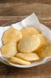 Δίσκος των πρόσφατα τηγανισμένων arepas Στοκ εικόνα με δικαίωμα ελεύθερης χρήσης