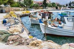 Δίχτυα του ψαρέματος και βάρκες στοκ φωτογραφία με δικαίωμα ελεύθερης χρήσης