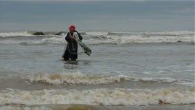 Δίχτυ απορριμμάτων που αλιεύει σε Μαύρη Θάλασσα απόθεμα βίντεο