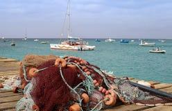 Δίχτυ του ψαρέματος με τα επιπλέοντα σώματα στο νησί άλατος Capo Verde στοκ φωτογραφία