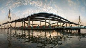 Δίδυμη αναστολή Rama9 που γεφυρώνεται, πανόραμα στοκ φωτογραφίες με δικαίωμα ελεύθερης χρήσης