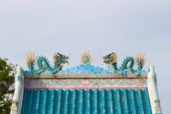 Δίδυμος δράκος στη στέγη Στοκ εικόνες με δικαίωμα ελεύθερης χρήσης