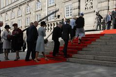 ΔΑΝΙΚΑ ROYALS ΦΘΆΝΟΥΝ ΣΤΟ ΆΝΟΙΓΜΑ PARLIAMNT Στοκ φωτογραφίες με δικαίωμα ελεύθερης χρήσης